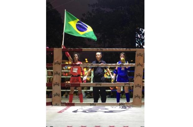 Lutadora de Porto Alegre é campeã mundial de muay thai na Tailândia Douglas Chacon / Arquivo Pessoal/Arquivo Pessoal