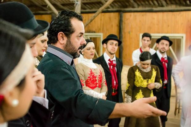 Paixão pela dança também pode ser profissão: conheça o trabalho dos instrutores Deivis Bueno/Divulgação