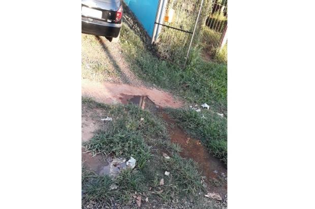 Esgoto a céu aberto inquieta moradora do bairro Umbu, em Alvorada LeitorDG / Arquivo Pessoal/Arquivo Pessoal