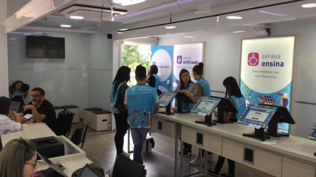 Caminhão do Serasa oferece serviços como consulta ao CPF e negociação de dívidas negativadas Divulgação / Serasa Experian /Serasa Experian