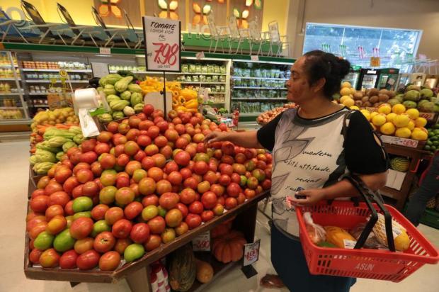 Preço de itens como cebola, cenoura e tomate dispara na Capital: confira dicas para economizar Fernando Gomes/Agencia RBS