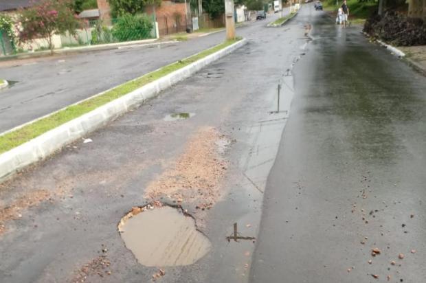 Avenida Gildo de Freitas, em Viamão, tem obra de pavimentação deixada pela metade Arquivo Pessoal/Arquivo Pessoal
