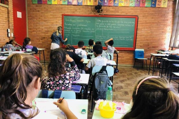 Escolas municipais têm falta de 150 professores e alunos da Restinga têm aula só três vezes por semana Jeniffer Gularte/Agência RBS