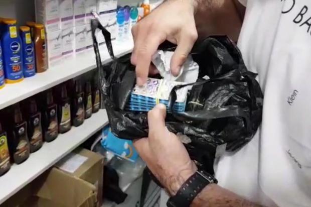 Comerciantes são presos vendendo medicamento abortivo no camelódromo de Porto Alegre Reprodução/Reprodução