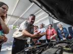 Grupo de mulheres faz curso para ampliar conhecimentos sobre mecânica e trânsito Omar Freitas/Agencia RBS