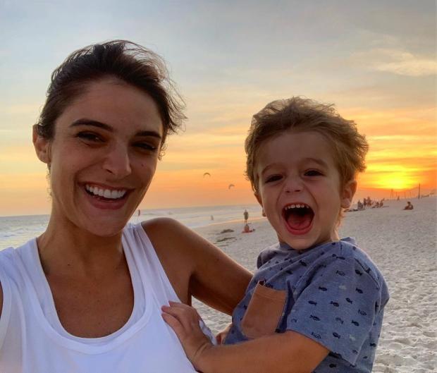 Rafa Brites desabafa após ser fotografada com o filho chorando no chão do shopping Reprodução / Instagram/Instagram