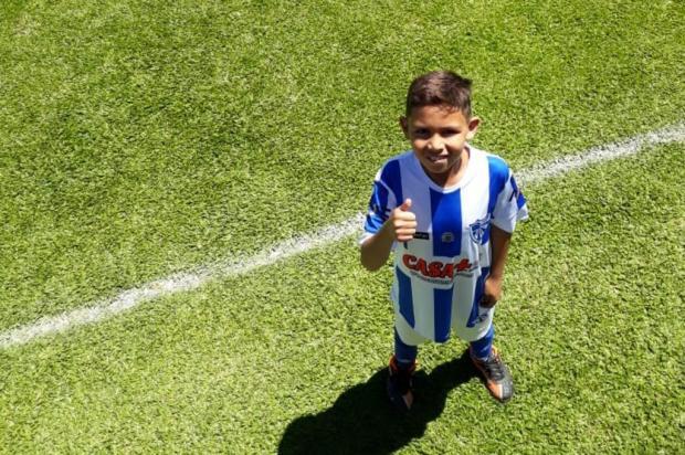 Menino de Cachoeirinha sonha em participar de torneio argentino de futebol arquivo pessoal/arquivo pessoal