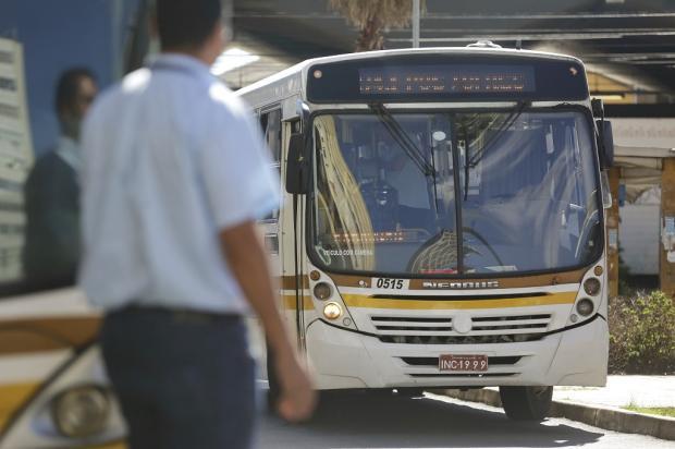 """Prefeitura aumenta vida útil de ônibus que estavam """"vencidos"""" Mateus Bruxel / Agência RBS/Agência RBS"""