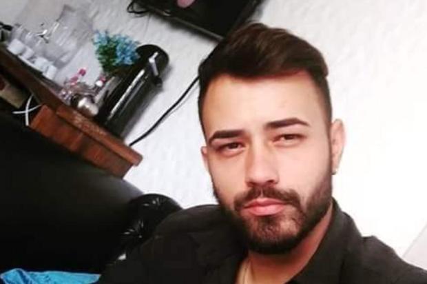 """""""Não descanso enquanto não vir os matadores do meu filho presos"""", diz mãe de cabeleireiro assassinado em Gravataí Divulgação/Arquivo Pessoal"""