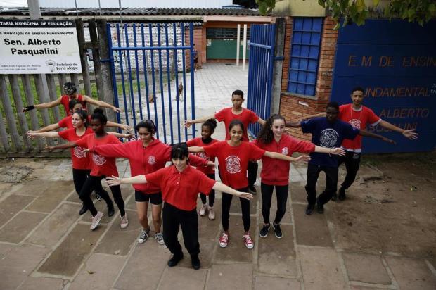 Alunos de escola municipal do bairro Restinga são selecionados para o Festival de Dança de Joinville Mateus Bruxel/Agencia RBS