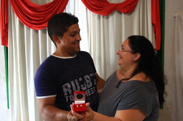 Casamento comunitário na Lomba do Pinheiro vai realizar sonho de 10 casais neste domingo: saiba como ajudar Tadeu Vilani/Agencia RBS