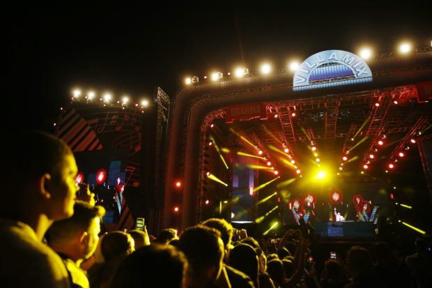 Fãs vibram com shows de sertanejo e música eletrônica no VillaMix Festival Félix Zucco / Agência RBS/Agência RBS