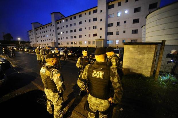 Polícia mira facção que expulsou moradores de condomínio do Minha Casa Minha Vida em Canoas Ronaldo Bernardi/Agencia RBS