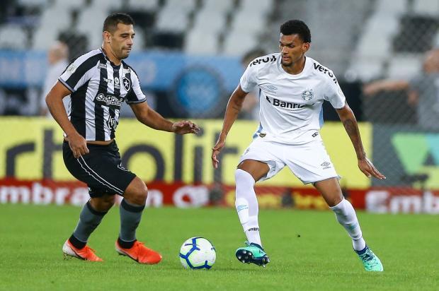 O zagueiro Rodrigues está aprovado no Grêmio Lucas Uebel / Grêmio/Divulgação/Grêmio/Divulgação