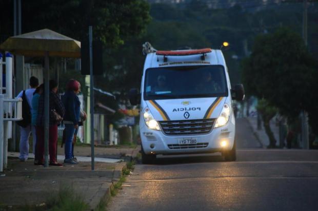 Para evitar assaltos em paradas de ônibus, Base Comunitária da BM circula pelo bairro Lomba do Pinheiro, em Porto Alegre Tadeu Vilani/Agencia RBS
