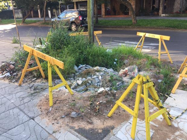 Buraco no Jardim Botânico segue aberto após sete meses Eduardo Paganella / Agência RBS/Agência RBS