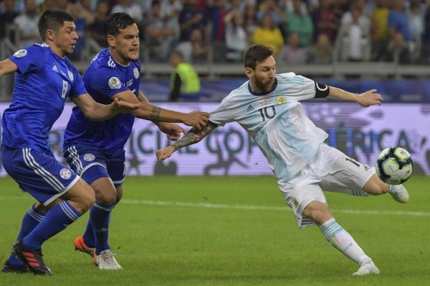 Lelê Bortholacci: Seleção Brasileira não é a única que não empolga LUIS ACOSTA/AFP