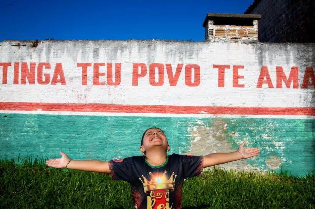 Super-heróis perderam a vez: João Pedro escolhe escola de samba da Restinga como tema de sua festa de nove anos Marco Favero/Agencia RBS
