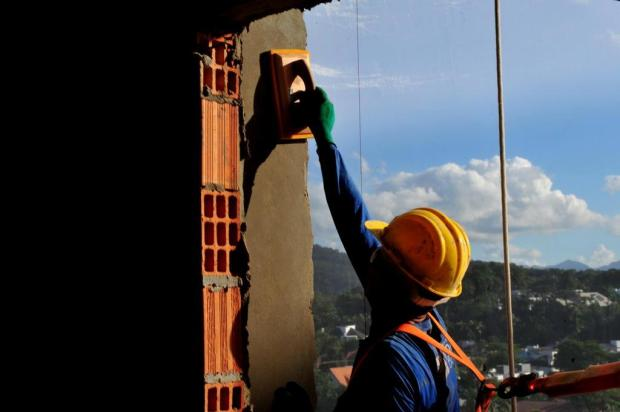 Empregos: Santa Casa de Porto Alegre oferece 111 vagas na construção civil Salmo Duarte/A Notícia