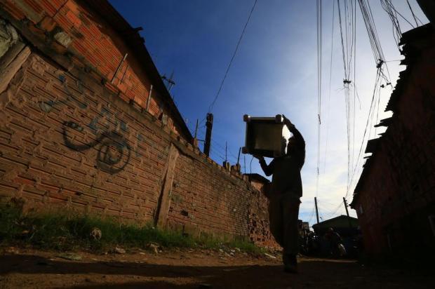 O futuro dos moradores da Vila Nazaré longe do Salgado Filho Tadeu Vilani/Agencia RBS