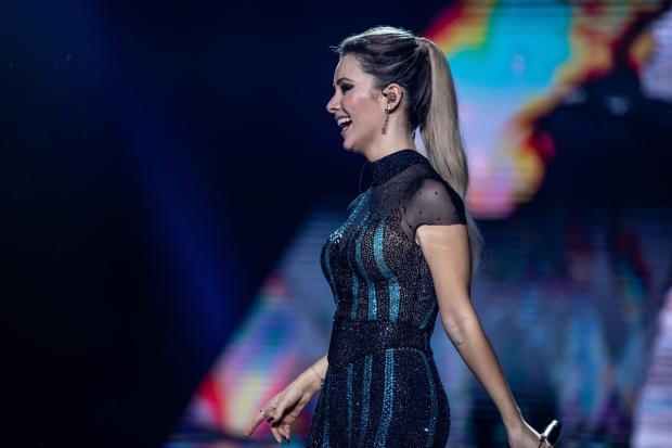 Sandy troca de figurino três vezes e usa mega hair em show da nova turnê Igor do O / Divulgação/Divulgação