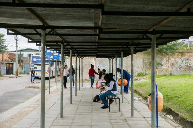 Passageiros reclamam de rotina de atrasos em linhas de ônibus da Restinga Andréa Graiz/Agencia RBS