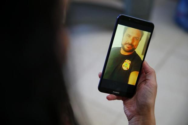 """""""Não acredito na culpa dele"""", diz irmão de preso por suspeita de se passar por policial federal para enganar mulheres Félix Zucco/Agencia RBS"""