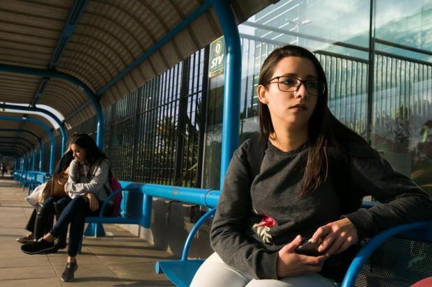 A rotina dos passageiros da linha T4, a campeã de reclamações de atrasos na Capital Andréa Graiz/Agencia RBS