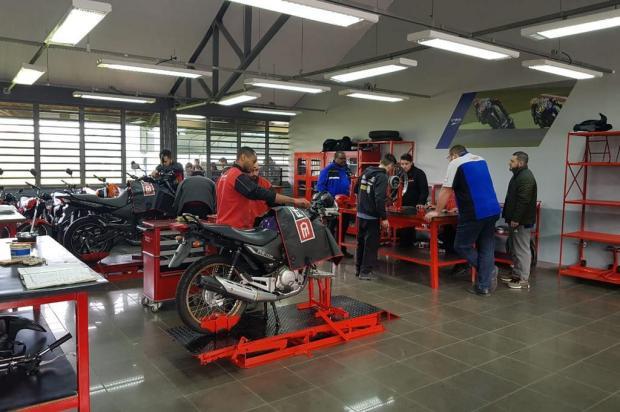 Parceria qualifica cursos de mecânica de motocicletas do Senai em Porto Alegre Divulgação/Senai-RS