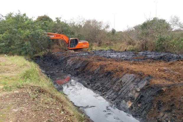 Arroio de Cachoeirinha recebe limpeza, mas resíduos são deixados às margens Luis Carlos/Arquivo Pessoal