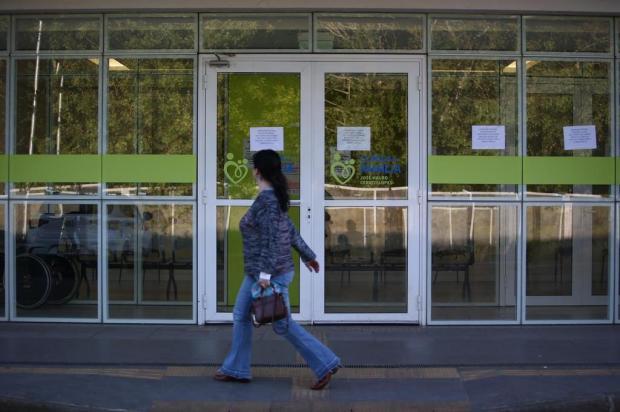 Clínica da Família da Restinga passa a tarde fechada após anúncio de mudança de gestão Jefferson Botega/Agencia RBS