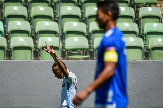 Com dois gols de Everton, Grêmio goleia o Cruzeiro por 4 a 1 no Independência Gledston Tavares /FramePhoto/Folhapress