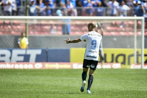 Guerrinha: Pelo desempenho de Tardelli, tudo indica que Renato vai arquivar teimosia com André Lucas Uebel / Grêmio/Divulgação/Grêmio/Divulgação