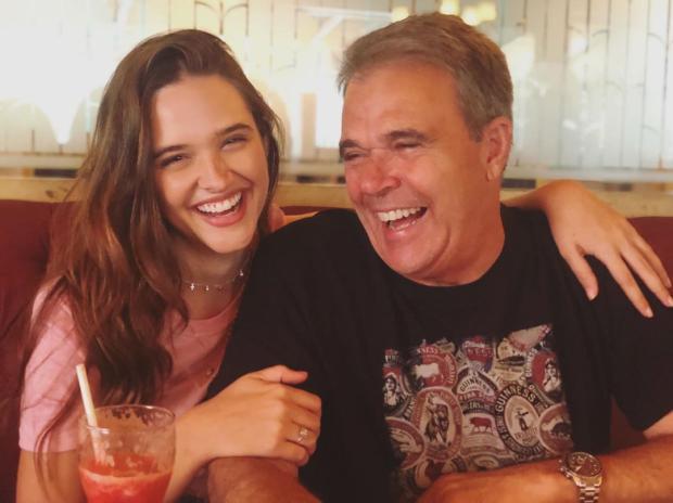 Pai da atriz Juliana Paiva morre aos 64 anos após sofrer infarto Reprodução / Instagram/Instagram