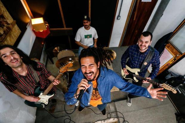 Positive, a banda que esbanja energia positiva ao som do reggae Marco Favero/Agencia RBS