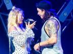 Luísa Sonza invade show e pede Whindersson em casamento Reprodução / Instagram/Instagram