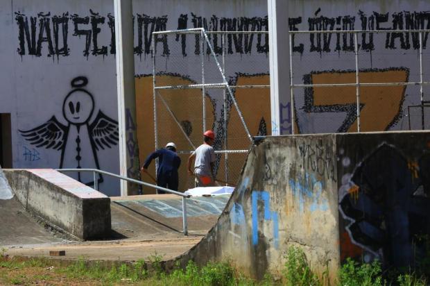 Após dois anos parada, obra de CEU na Lomba do Pinheiro é retomada, com conclusão prevista para março de 2020 Tadeu Vilani/Agencia RBS
