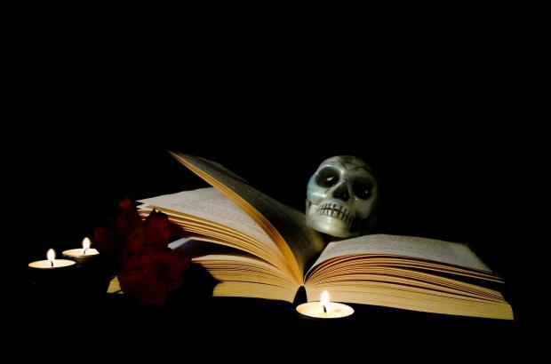 Três livros aterrorizantes para o Dia das Bruxas Pixabay/