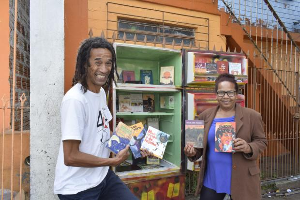 Moradores do bairro Bom Jesus, na Capital, constroem geladeirotecas para incentivar leitura na comunidade Camila Bengo / Diário Gaúcho/Diário Gaúcho