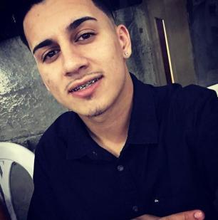 Jovem atingido por golpes de facão em Viamão morre e vizinho confessa o crime Arquivo Pessoal/Divulgação