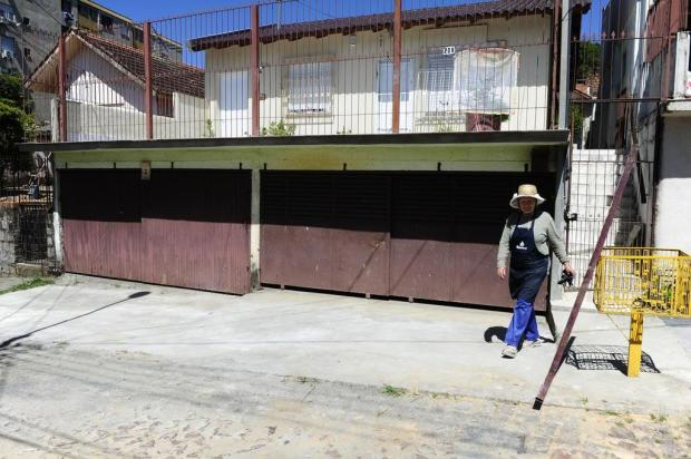 Cratera é fechada após sete meses, na Capital Ronaldo Bernardi/Agencia RBS