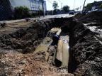 Adutora volta a romper e afeta abastecimento de água em 20 bairros de Alvorada Ronaldo Bernardi/Agencia RBS