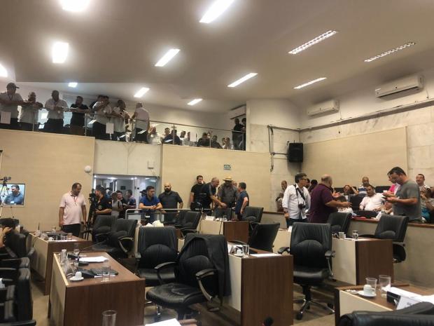 Após acordo, Câmara renova contrato com empresa e operação dos ônibus é normalizada em Canoas Francine Silva / Agência RBS/Agência RBS