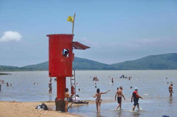 Praias de Belém Novo e Lami estão livres de poluição e são opções para quem não pode se deslocar até o Litoral Isadora Neumann/Agencia RBS