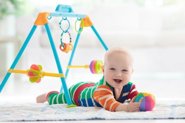 Quer ajudar seu filho a ir melhor na escola? Estimule-o a brincar e praticar esportes famveldman/stock.adobe.com