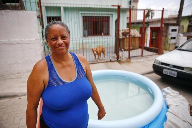 Saiba como cuidar de sua piscina de plástico Félix Zucco/Agencia RBS