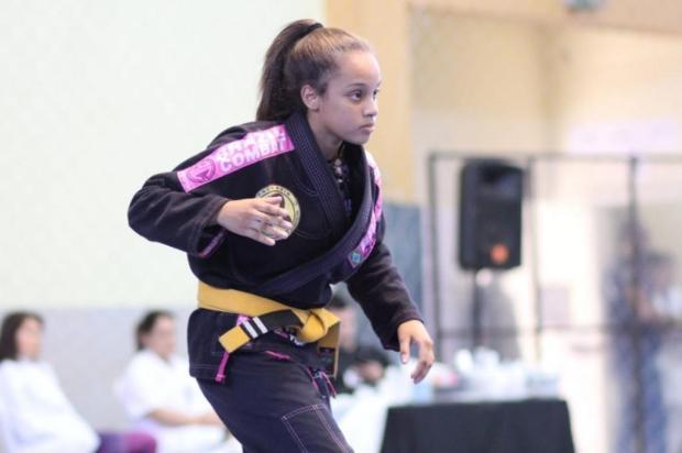 Jovem lutadora de Canoas busca apoio para seguir no esporte Lisiane Fernandes / Arquivo Pessoal/Arquivo Pessoal