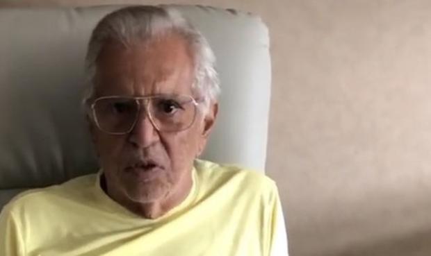 """Carlos Alberto de Nóbrega diz que está com infecção na próstata e que iogurte vencido foi """"incrível coincidência"""" Reprodução / Instagram/Instagram"""