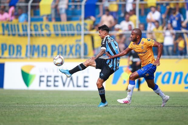José Augusto Barros: tarde de lição para a gurizada do Grêmio Lucas Uebel / Grêmio, Divulgação/Grêmio, Divulgação