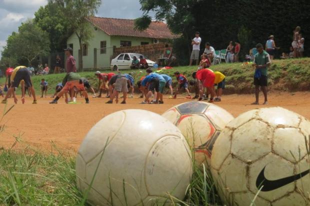 Time de futebol solidário precisa de uniformes para a gurizada Antônio Marcos Silva da Silva / Arquivo Pessoal/Arquivo Pessoal